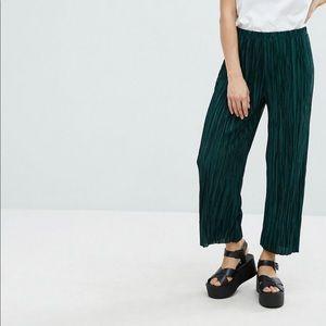 New Look Green Plisse Crop Pants